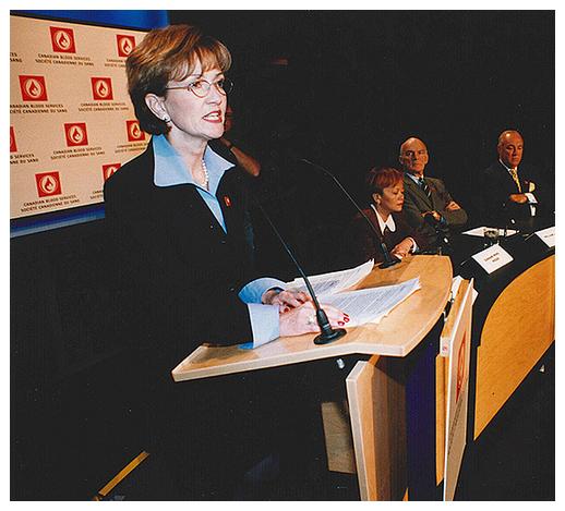 Lynda Cranston, chef de la direction de la Société canadienne du sang à sa création