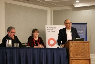 Héma-Québec's Dr. Marc Germain (Vice-President, Medical Affairs and Innovation) and Canadian Blood Services' Dr. Dana Devine (Chief Scientist) and Dr. Graham Sher (Chief Executive Officer) open the knowledge synthesis forum in November 2019.